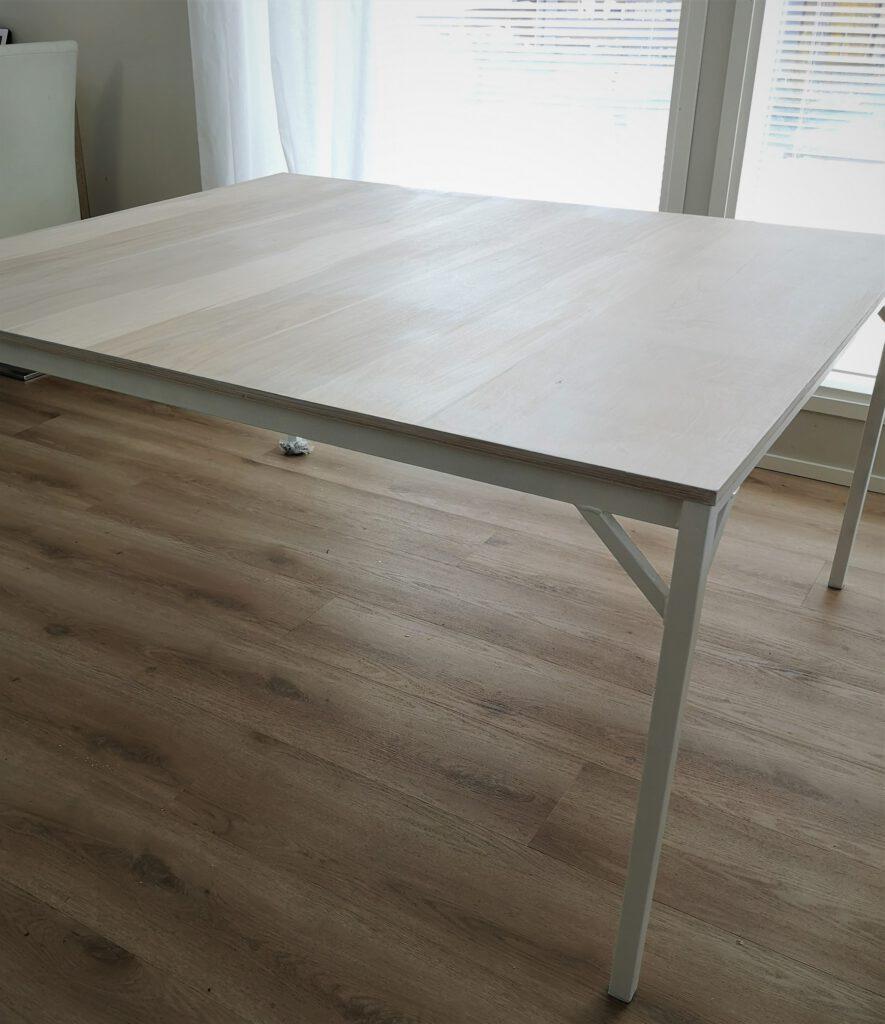 Vaneripöytä